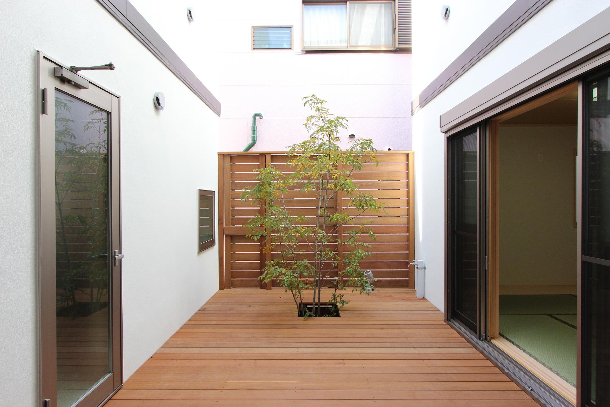 〔東京/足立区〕木造 中庭