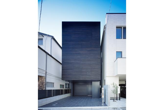 高い意匠性に加え、断熱の性能にも優れた家 LURK 東京/港区|木造軸組工法